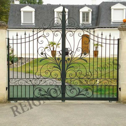 wrought iron work reignoux cr ations. Black Bedroom Furniture Sets. Home Design Ideas