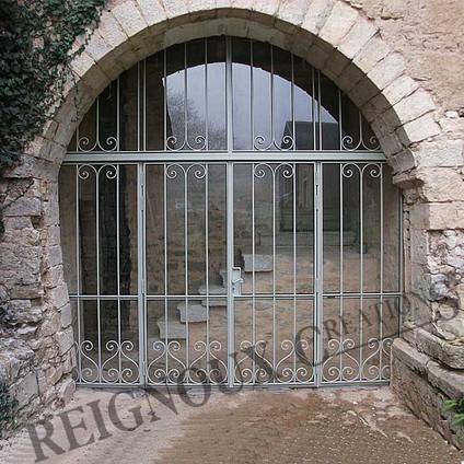 Portes d 39 entr e fer forg ferronerie d 39 art maison fond e en 1955 reignoux cr ations for Portail fer forge art deco