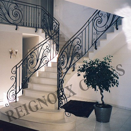 rampes d 39 escalier fer forg ferronerie d 39 art maison fond e en 1955 reignoux cr ations. Black Bedroom Furniture Sets. Home Design Ideas